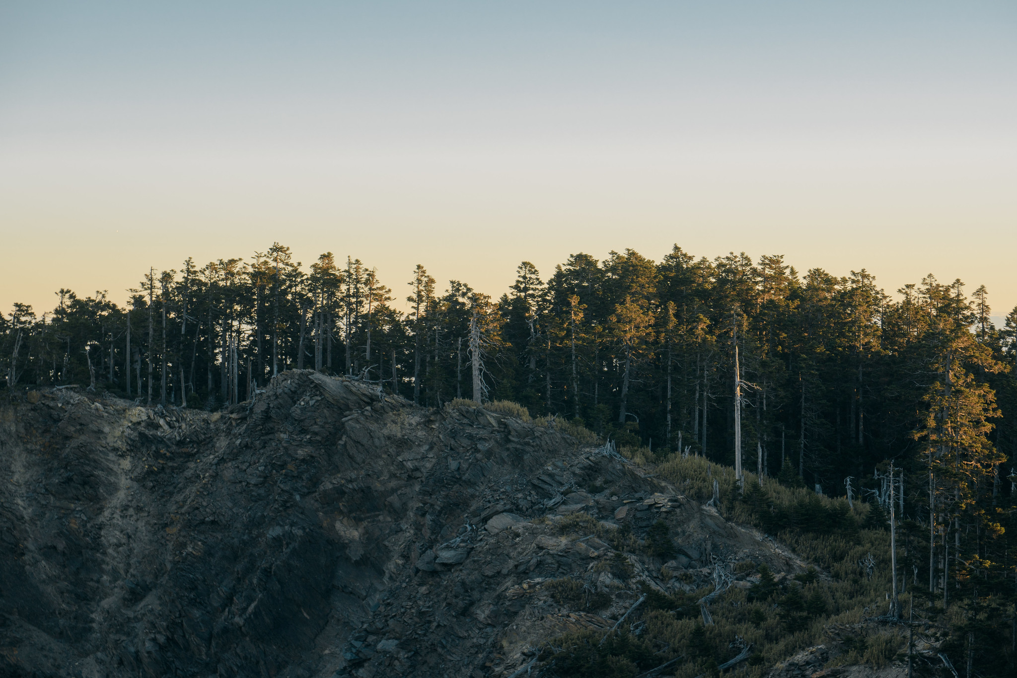 爬山 登山 底層衣 選擇